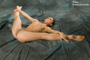ultra flexible nude girls