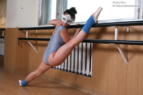 flexible girl naked