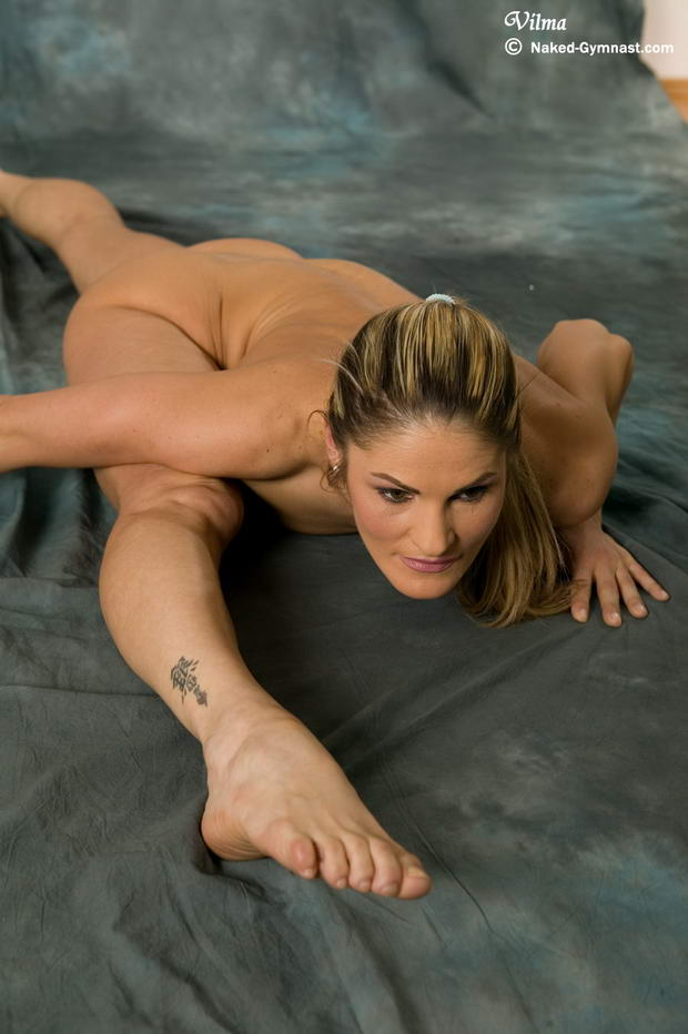 flexes girl wrestling