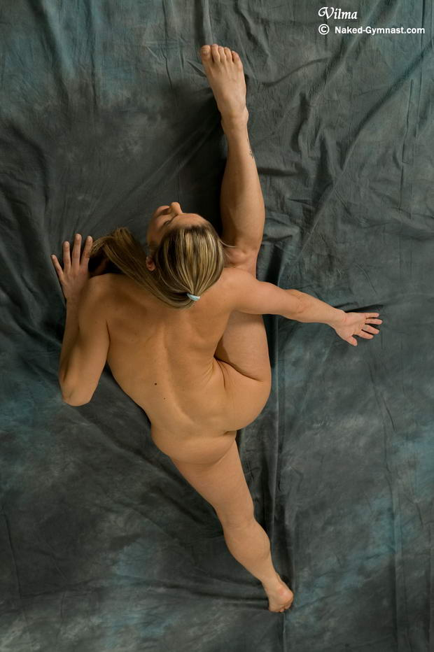 nude ballerina hairy snatch