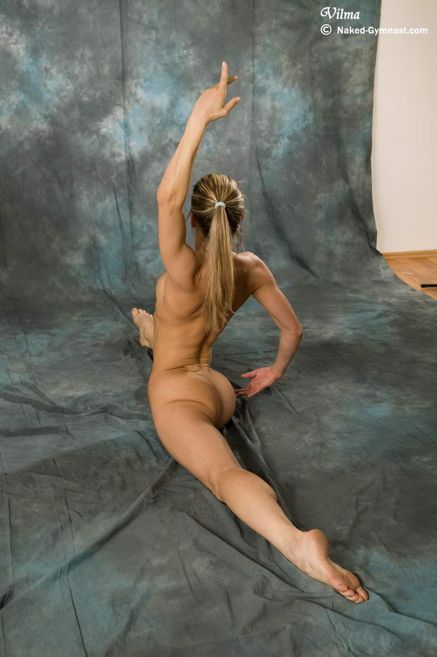 nudist ballet dancers