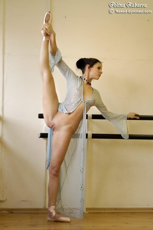 solo flexible woman