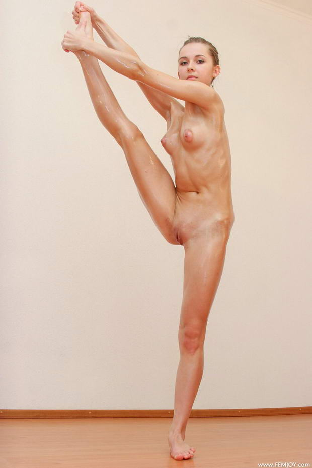 Something nude girls in ballet are