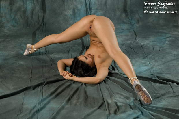 Women ballet dancers naked